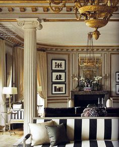 Paris Home Décor - Having a house is a vital need for you. In making your house becomes beautiful and comfortable you have to choose the furniture and design. Paris Home, Interior Exterior, Home Interior Design, Interior Decorating, Decorating Ideas, Decor Ideas, Elle Decor, Design Salon, Paris Apartments