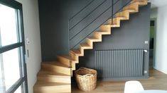 Custom staircase, steps and risers assembled in butted oak with its metal railing. The Wood Tower Stairs manufacturer and custom stair climber. Home Stairs Design, Home Interior Design, House Design, Design Loft, Design Design, Modern Stair Railing, Modern Stairs, Tiny House Loft, Cozy House