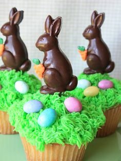 Munchkin Munchies: Bunny Cupcakes and Bunny Mints