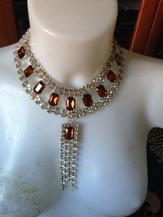 #collana #cristallo fatta a mano con pietre gialle e pendente. Realizzata a mano da #oro18. I modelli possono essere personalizzati e fatti su richiesta.  Info: Amministrazione@oro18.eu FB: oro18 fantasie creative