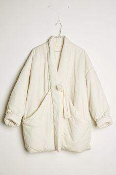Portfolio Mode, Fashion Portfolio, Style École, Yellow Fashion, Style And Grace, School Fashion, Street Style Looks, Quilted Jacket, Coat