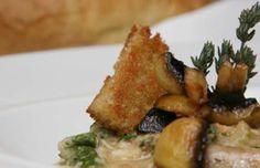 Açorda de Alheira - Alheira Bread Soup Portuguese Recipes, Soups, French Toast, Chicken, Meat, Breakfast, Food, Gourmet, Morning Coffee