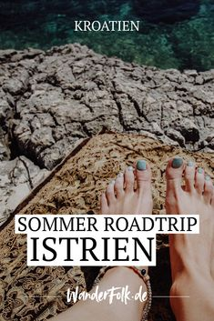 Kroatien: Reise-Tipps für deinen Sommer-Roadtrip nach Istrien Travel tips for your summer road trip to Istria (Croatia): city stroll in Pula, Rovinj & Porec, boat tour to the Lim Channel, cliff jumping on Cape Kamenjak u. Travel Through Europe, Travel Around The World, Camping Am Meer, Holland Strand, Art Buddha, Istria Croatia, Cliff Diving, Camping Holiday, Responsible Travel