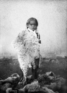 Indians Pueblo Taos (children, unidentified) :: Western History