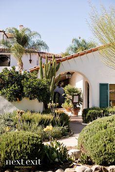 Spanish style homes – Mediterranean Home Decor Spanish Colonial Homes, Spanish Style Homes, Spanish House, Spanish Architecture, Colonial Architecture, Spanish Revival, Ojai Valley Inn And Spa, Haus Am See, Hacienda Style