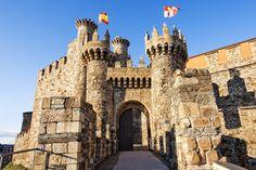 Castillo de Ponferrada The Camino, Beautiful Castles, Tower Bridge, Notre Dame, Barcelona Cathedral, Medieval, France, Album, Building