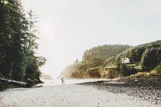 www.AmandaBasteen.com Iowa Wedding Photographer  Oregon Coastal Engagement - Hacita Head lighthouse