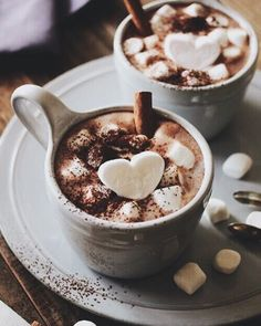 White hot chocolate with dark chocolate whipped cream piped on the top. It's a chocolate-fest that is a warm and would make a perfect after Christmas dinner dessert. Café Chocolate, Chocolate Treats, Chocolate Flowers, Pause Café, Coffee Love, Hot Coffee, Coffee Break, Coffee Girl, Coffee Corner