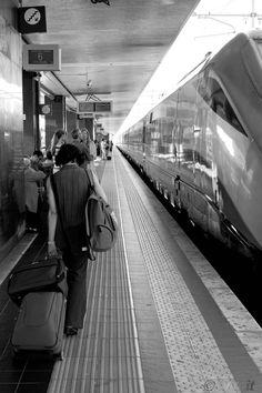 Andare via, viaggiare, lasciarsi tutto alle spalle.