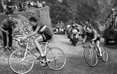 Fausto Coppi of Italy, left, dominated the 1952 Tour de France by winning five stages and the mountain classification. Coppi held off Jean Robic of France, right, during the iconic Stage 10 ride from Lausanne to L'Alpe d'Huez. Velo Vintage, Vintage Cycles, Vintage Bikes, Mtb, Alpe D Huez, Everyday Workout, Muscles In Your Body, Bicycle Race, Classic Bikes