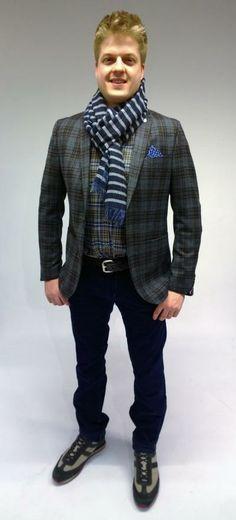 Babycordhosen, Glencheck-Blazer und Karo-Hemd mit diesen Akzenten stylen wir sie zum schicken Trend-Look.