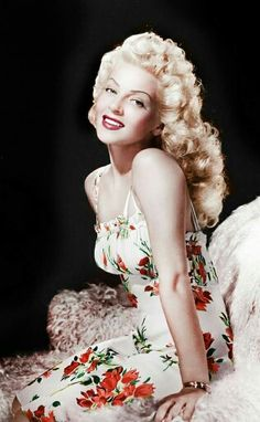 Lana Turner Old Hollywood Glamour, Hollywood Actor, Vintage Glamour, Vintage Hollywood, Hollywood Stars, Vintage Beauty, Classic Hollywood, Hollywood Actresses, Classic Actresses