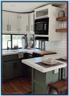 Green Kitchen Cabinets, Kitchen Decor, Green Kitchen Interior, Kitchen Ideas, Kitchen Cupboard, Cheap Kitchen, Kitchen Shelves, Kitchen Colors, Kitchen Styling