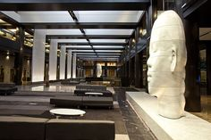 Renovated lobby at Grand Hyatt New York featuring artwork by Jaume Plensa Lux Hotels, Hotels And Resorts, Grand Hyatt, Hotel Reservations, Hotel Lobby, Hospitality Design, Commercial Design, Interior Design Inspiration, Interior Architecture