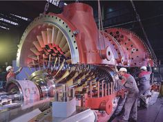 Assembly of a gas turbine at ALSTOM