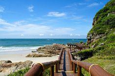Escada para a gruta das Encantadas, na Ilha do Mel, no Paraná. Aquele tipo de passeio de tirar o fôlego.