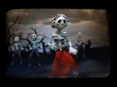 anuncio TV Azteca día de muertos Creepy, Scary, Grim Reaper, School Holidays, Day Of The Dead, Hallows Eve, Goblin, Trick Or Treat, Spanish