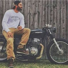 Marshalldcooper  and his 1972 honda cb750. Personally its my favorite year of the cb750s how about for you??? - ================================  Cafe Racer Apparel  SALE UP to 80% OFF  Limited Time Sale  Free Worldwide Shipping  Tap link on our bio @caferacermotorcycles or open YousDaily.com/CafeRacer ================================ Follow our IG: @caferacermotorcycles Our Facebook:fb.com/caferacerdaily TAG ALL  #caferacermotorcycles By @marshalldcooper…