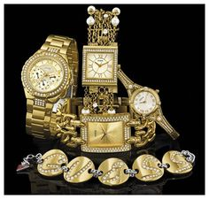 Guess watches with lots of sparkle loads of sparkle. Watches to be noticed!
