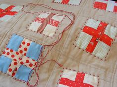 Love this idea of bold outline stitching for the boys' quilts I want to make.