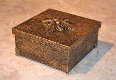 texturização metalizada em caixas de MDF