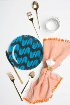Glam And Cool DIY Origami Diamond Napkin Ring | Weddingomania