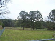 1/2 acre....this is about the minimum sized lot.