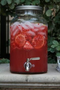 Strawberry Lemonade...perfect for summer holidays and gatherings!