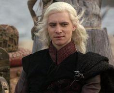 Harry Lloyd as Viserys Targaryen.