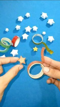 Cool Paper Crafts, Paper Crafts Origami, Creative Crafts, Diy Paper, Easy Christmas Crafts, Halloween Crafts, Origami Christmas, Instruções Origami, Easy Origami Star