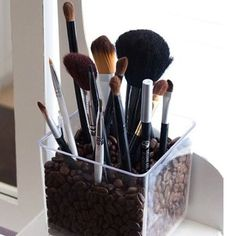 16 Genius Makeup Organizing Hacks That Will Save You From Chaos | SELF
