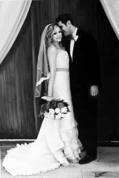 PaintYourLife.com - Wedding Acrylic Portraits  #weddingportrait #paint #painting…