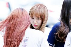 [HQ] 150602 레드벨벳 웬디 WENDY @ 걸그룹 메이크업북 Girlgroup Makeup Book Event http://cfile2.uf.tistory.com/original/272F173E556F03C10ADE57 …  cr. https://twitter.com/Enigma_sw