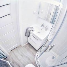 Small Apartments, Small Bathroom, Malaga, Bathtub, Interior Design, Jacuzzi, Instagram Ideas, House, Bath Room