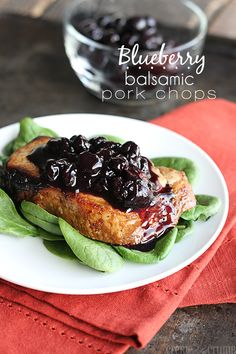 Blueberry Balsamic Pork Chops - Savory broiled balsamic pork chops topped with sweet blueberry sauce! The perfect savory sweet combination! Pork Recipes, Cooking Recipes, Healthy Recipes, Healthy Cooking, I Love Food, Good Food, Balsamic Pork Chops, Blueberry Recipes, Gastronomia