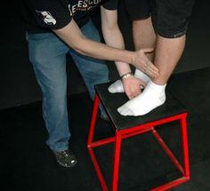 Bodybuilding.com - Shin Splints: Learn To Run Pain Free!