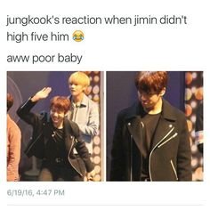 Now Jimin is the one ignoring. Jungkook u need to love Jimin more if u want that high five 😂 Memes Humor, Memes Bts Español, Bts Memes Hilarious, Jokes, It's Funny, Jikook, Bts Jimin, Bts Bangtan Boy, Jungkook Funny