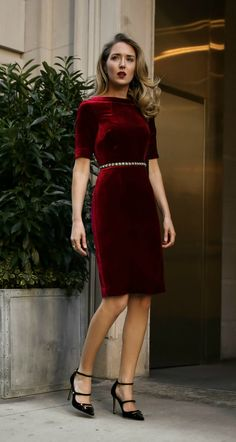 30 Dresses In 30 Days Fall/Winter Office Holiday Cocktail Party Festival Mode, Festival Fashion, Holiday Fashion, Holiday Style, Cocktail Attire, Cocktail Dresses, V Neck Wedding Dress, Blue Bridesmaid Dresses, Fashion Outfits
