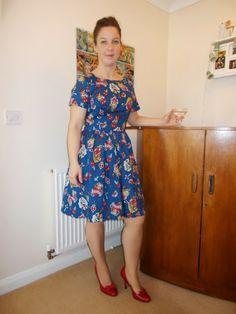 Little Miss Whipstitch : Sew Dolly Clackett dress #sewdollyclackett