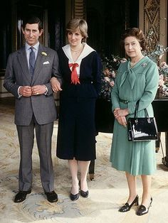 The Queen's Speech Author on Queen Elizabeth and Princess Diana Princess Diana Wedding, Princess Diana Fashion, Princess Of Wales, Charles And Diana, Prince Charles, English Royal Family, Isabel Ii, Queen Mother, Lady Diana Spencer