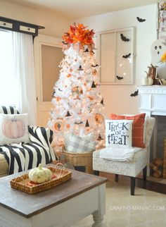 Make your white Christmas fantasies become a reality with the enchanting Winter White Christmas Tree. Shop Treetopia for white Christmas trees and more now. Halloween Christmas Tree, Types Of Christmas Trees, White Christmas Trees, Christmas Tree Decorations, Halloween Decorations, Xmas Tree, Christmas Nails, Happy Halloween, Harvest Decorations