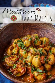 My Easy, Vegetarian Mushroom Tikka Masala is one of my favourite Indian dishes! This meat-free version of Chicken Tikka Masala makes for a light lunch or dinner, along with (cauliflower) rice, chapatis, or naan bread. Vegetarian Curry, Vegetarian Recipes Easy, Indian Food Recipes, Healthy Recipes, Indian Vegetarian Recipes, Mushroom Recipes Indian, Vegetarian Dinners, Unique Recipes, Chicken Tikka Masala Rezept