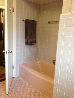 Retro Bathroom 50s Peach Tile With Reddish Brown Trim