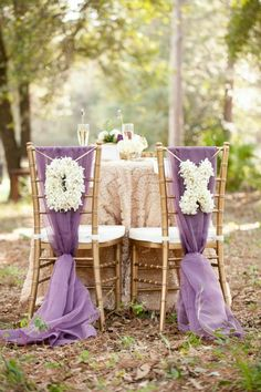 housse de chaise mariage pas cher avec un ruban violet