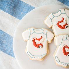 A little fox onesie for a woodland  baby shower  _ #sweetkiera #skcookies #woodlandbabyshower #littlefoxbabyshower #babyshowercookies
