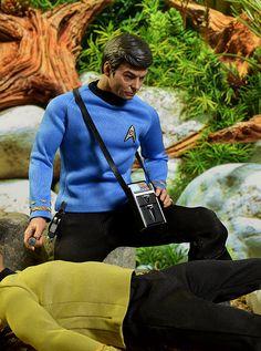 McCoy exclusive scale action figure by Quantum Mechanix Star Trek Toys, Star Trek Action Figures, Star Wars Poster, Star Wars Art, Dr Leonards, Star Trek Wallpaper, Watch Star Trek, Star Trek Characters, Star Trek Beyond
