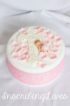 Baptism cake topper girl Christening edible decorations pink fondant flowers cross pink flower diaper baby shower girl large figure - This fondant flower baby figurine can be kept as a souvenir or consumed on the cross. Baby Cakes, Girl Cakes, Baby Shower Cakes, Cupcake Cakes, Shower Baby, Fondant Rose, Fondant Flowers, Fondant Girl, Christening Cake Girls