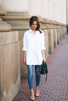 White Shirts Outfit White is a classy, elegant color that can go with any outfit. There are many white shirts for women in various styles, sizes, and designs. Outfit Jeans, White Shirt Outfits, White Shirt And Jeans, Casual Outfits, Ripped Jeans, White Pants, White Blouse Outfit, Jeans Casual, White Button Shirt