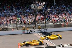 This has the potential to be an iconic pic, from AP. Congrats to @RyanHunterReay and @FollowAndretti! #Indy500 pic.twitter.com/y1481FuEy8