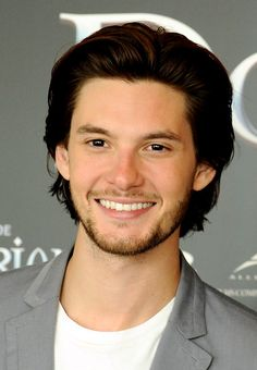 Ben Barnes Attends El Retrato de Dorian Gray (Dorian Gray) Photocall at the ME Hotel in Madrid, Spain (2-6-2010).